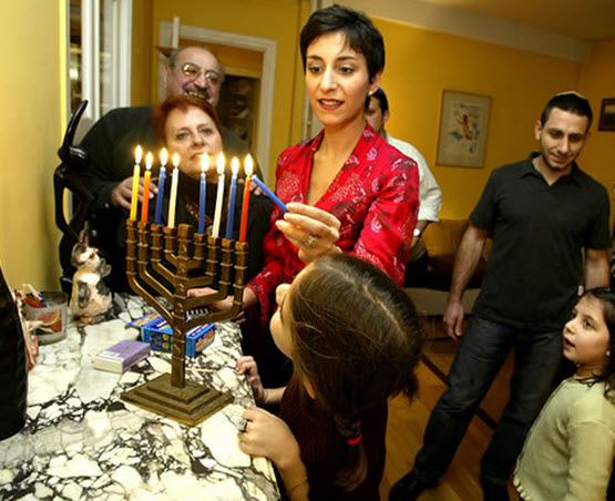 Chanukah_Family
