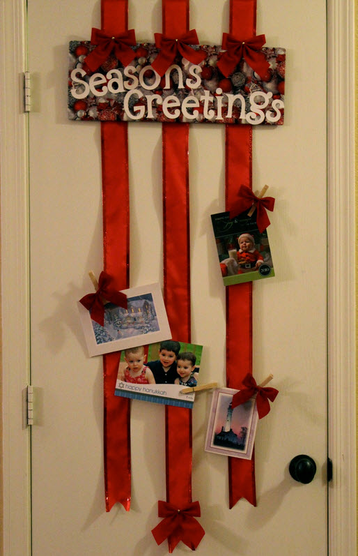 Creative ways to display your photo christmas cards for Door xmas card holders